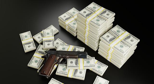 zbraň a bankovky