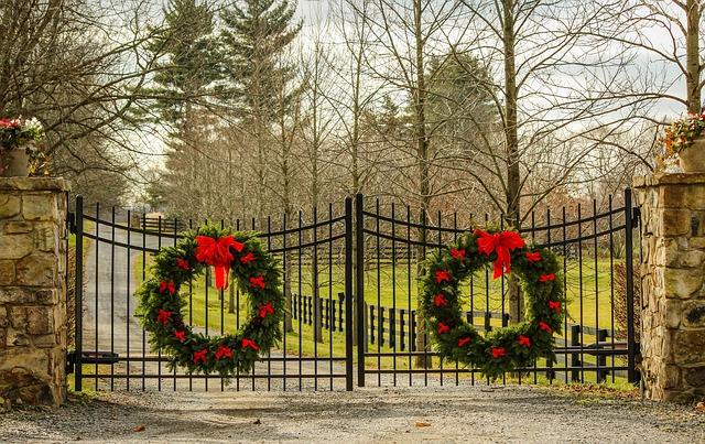 brána a dekorace